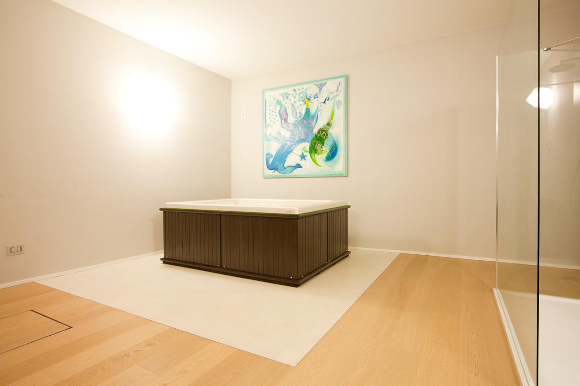pavimento bagno in resina decorativa
