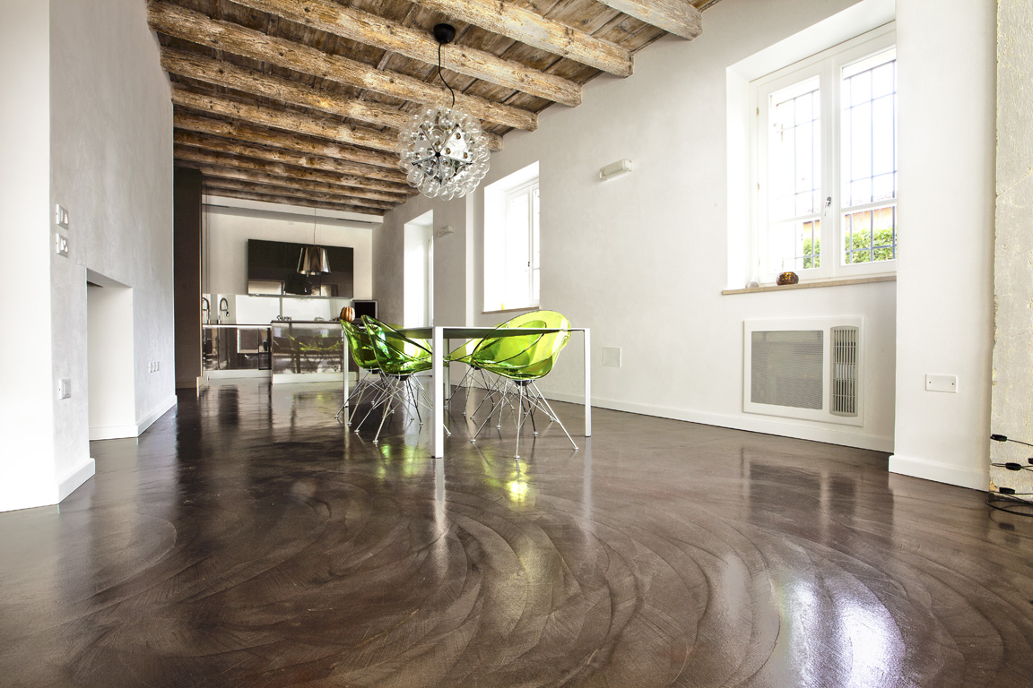 Resine decorative per pavimenti rivestimenti e - Pavimento resina bagno ...