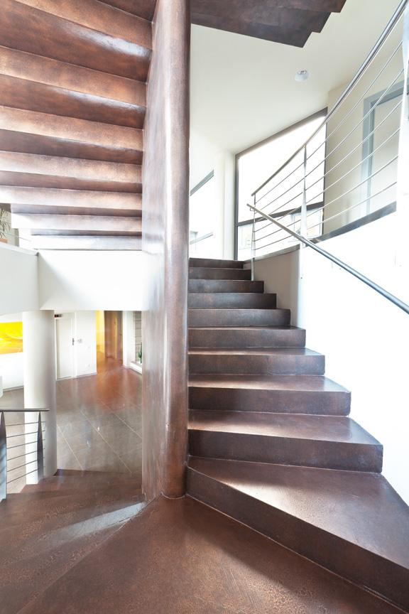 Resine decorative per pavimenti rivestimenti e - Scala decorativa ...